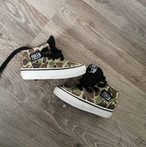 Vans baby shoes size 4